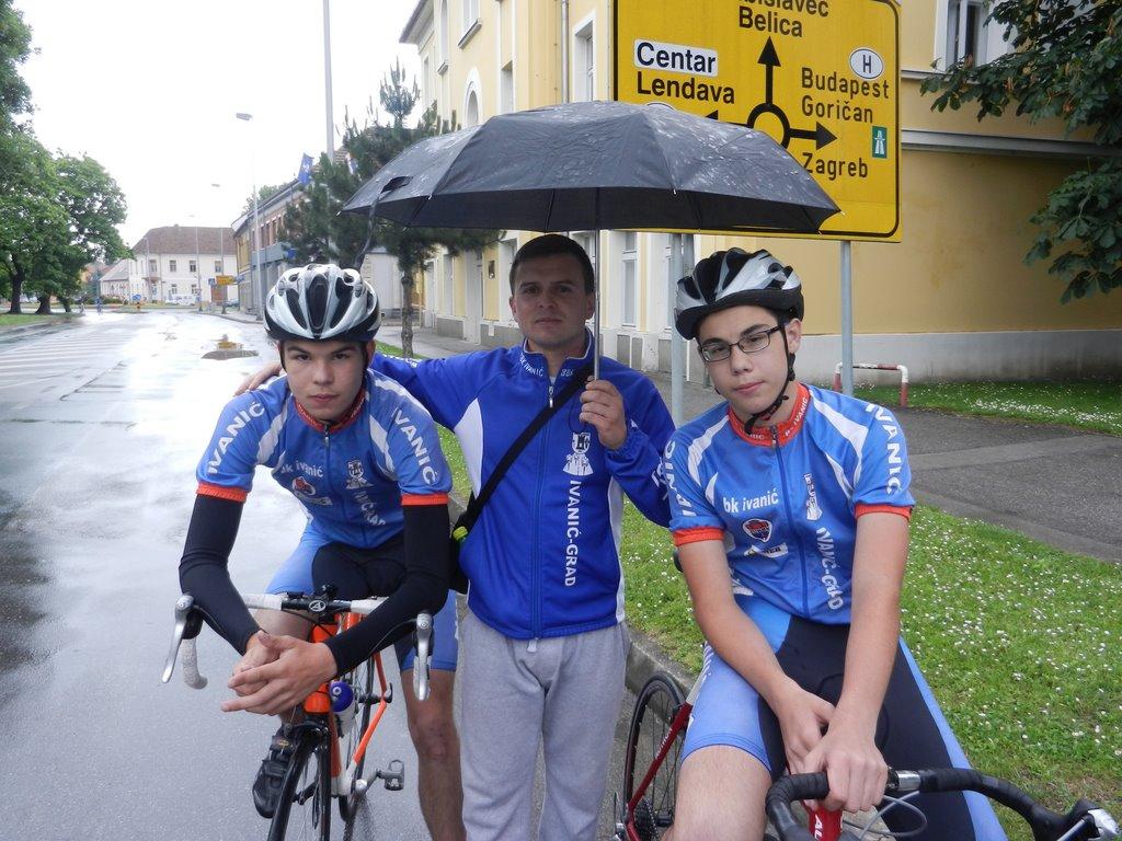 Matija, Ivica i Nikola prije starta utrke.